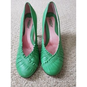 Green leather 2 inch pumps size 8